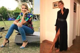 Simona Ventura a Temptation Island Vip: paillettes e abito nero per la seconda puntata