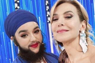 """Harnaam Kaur, la donna con la barba contro il bullismo: """"Bisogna amare se stessi"""""""