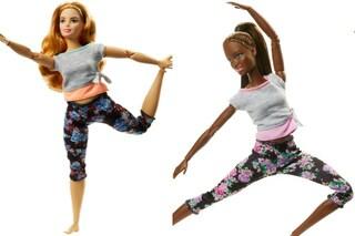 """Barbie snodata, la bambola """"in movimento"""" diventa curvy e con la pelle scura"""