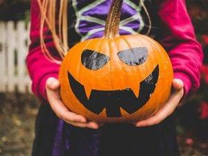 Halloween è diventata anche in Italia una delle feste più attese ed amate  dell anno da grandi e bambini. La notte delle streghe e degli spiriti sta  per ... f99349872305