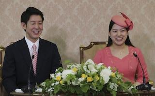 La principessa giapponese Akayo rinuncia al trono per amore, ha sposato un borghese