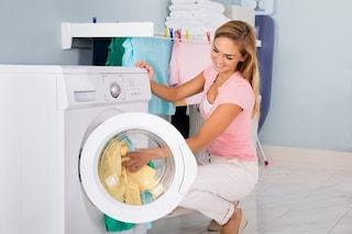 Pepe nero in lavatrice: la spezia che ravviva e protegge i colori dei vostri capi