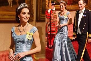 """Kate Middleton """"ruba la scena"""" a Meghan con l'abito da principessa e la tiara di Lady D."""