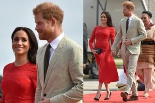 L'abito rosso di Meghan Markle e il mistero del cartellino che pende dalla gonna
