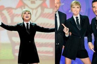 """Nadia Toffa torna a """"Le Iene"""" senza pantaloni: la giacca maschile diventa un vestito"""