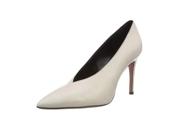 Si tratta di scarpe con punta sottile e lunga declinate in diversi colori e  realizzate con pellami e tessuti differenti. Sono perfette per rendere  trendy e ... a0a68f9167d