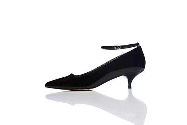Scarpe con tacchi simili stanno spopolando sulle passerelle dei grandi  stilisti e ora sono disponibili online anche in versioni low cost. 51bf9e4b18f