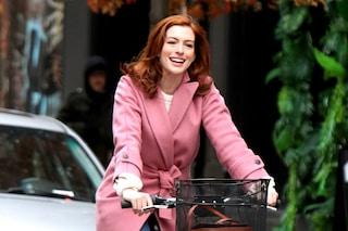 Anne Hathaway cambia look: ecco il nuovo colore di capelli dell'attrice