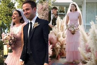 Mandy Moore sposa in rosa: per le nozze con Taylor Goldsmith sceglie lo stile boho-chic