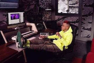Sfera Ebbasta icona di stile anche in America: il rapper firma i calzini per Stance
