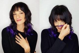 """Asia Argento passa ai capelli viola: il cambio look è originale e """"bicolor"""""""