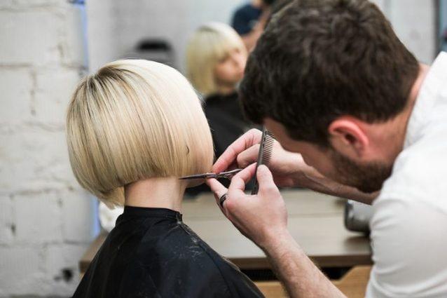 6 segnali che indicano quando è il momento di tagliare i capelli 3c7d7e6dae44