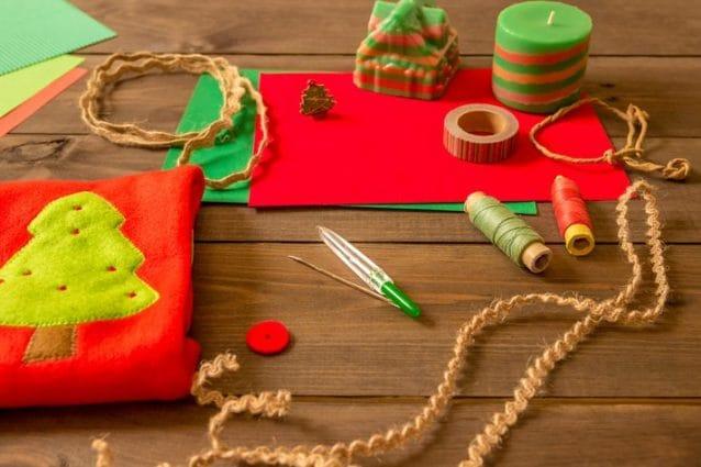 Regali Di Natale Semplici Fai Da Te.Biglietti Di Natale Fai Da Te 6 Idee Per Auguri Creativi E Originali