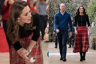 Kate Middleton in versione natalizia: la gonna tartan è perfetta per l'inizio delle feste