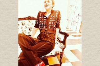 Nadia Toffa a casa per Capodanno, non rinuncia all'eleganza con qualcosa di rosso
