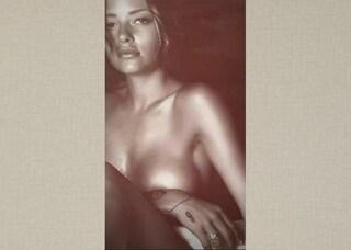 Silvia Provvedi nuda su Instagram: lo scatto sexy fa impazzire i fan