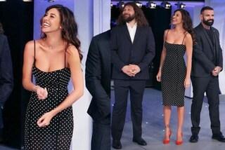 "Belén Rodriguez a ""C'è posta per te"": tubino e scarpe rosse per la prima apparizione tv del 2019"