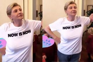 Ineke Hunziker, 74 anni e non dimostrarli: la mamma di Michelle si dà alla pittura in jeans e t-shirt