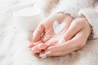 Creme mani contro il freddo: le migliori da scegliere per l'inverno