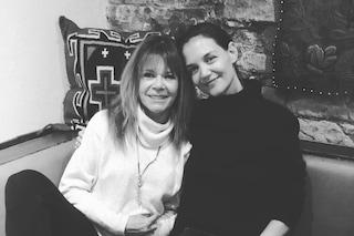 Joey e Gail di nuovo insieme: a 20 anni di distanza Katie Holmes rincontra la mamma di Dawson