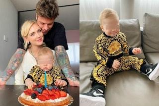 Leone veste Versace: il figlio di Chiara Ferragni e Fedez festeggia i 10 mesi col look griffato