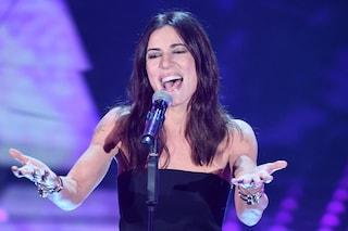 Sanremo 2019, Paola Turci porta sul palco i suoi look eleganti e sensuali
