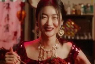 """La modella cinese di D&G parla del video che ha creato scandalo: """"Ho la carriera rovinata"""""""