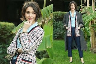 Nicole Grimaudo in camicia e pantaloni, il look da lady per il lancio del nuovo film
