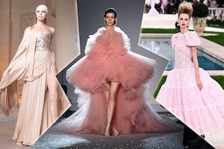 L'Alta Moda sfila a Parigi: in passerella abiti come gioielli con fiori e frange lucenti