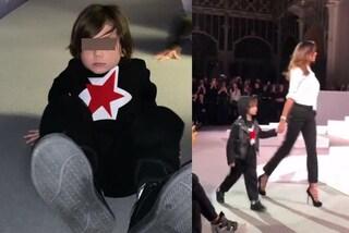 La prima volta di Santiago in passerella: il figlio di Belén debutta nella moda a 5 anni