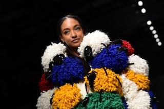 Benetton debutta alla Milano Fashion Week: è un trionfo di colori in passerella