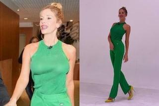 Alessia Marcuzzi in verde e senza reggiseno manda in delirio il web