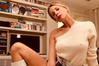 Alessia Marcuzzi senza reggiseno: la foto con capezzoli in mostra manda in tilt il web