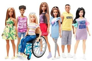 Arriva la prima Barbie in sedia a rotelle, la rivoluzione di Mattel