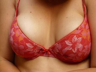"""Sconfigge il cancro e mostra i segni della mastectomia: """"Tutte le donne devono vedere questo"""""""