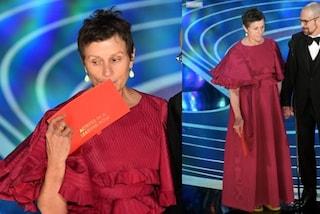 Agli Oscar 2019 con le Birkenstock: la bellezza di Frances Mcdormand, la diva in ciabatte
