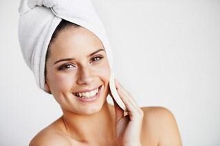 Peeling naturale fai da te: gli ingredienti da scegliere per una pelle morbida ed elastica