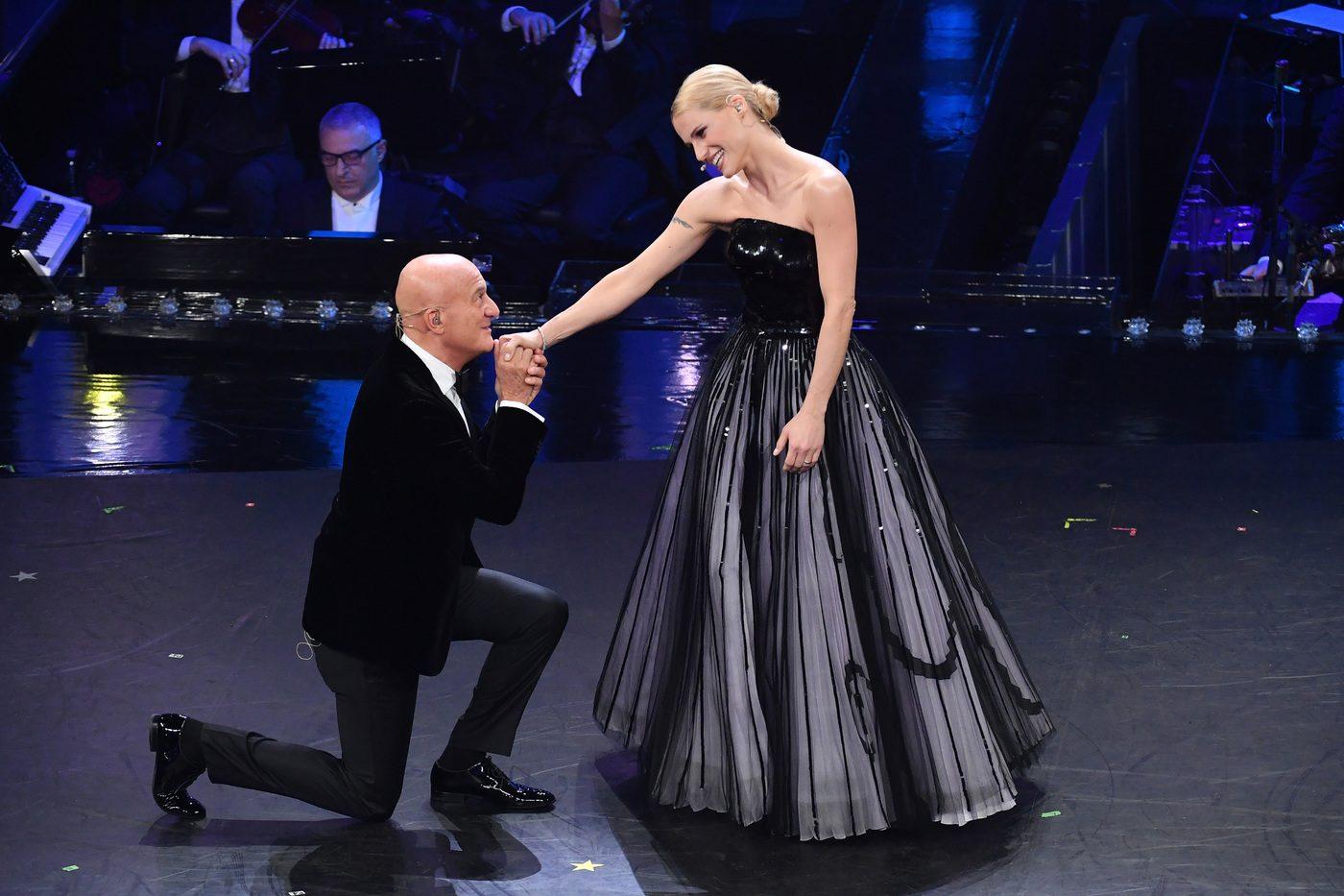 Michelle Hunziker e Claudio Bisio in Armani