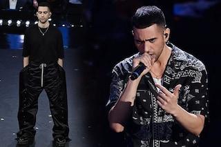 Mahmood vince Sanremo 2019 con i pantaloni enormi e le camicie trendy