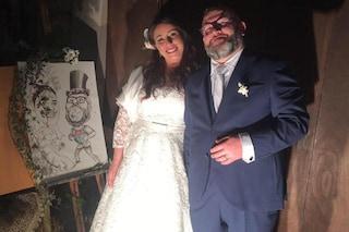 """Matrimonio in libreria: sono """"lettori seriali"""", scelgono la location originale per il fatidico sì"""