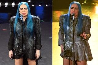 Sanremo 2019, Loredana Bertè con lo stesso abito: il look con la borsetta è uguale, cambia il colore