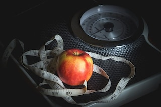 Troppo grassa per avere un'assicurazione sulla vita, le rifiutano la richiesta perché in sovrappeso