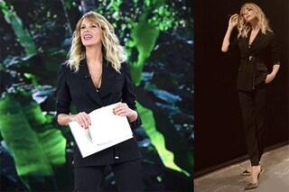 Isola dei famosi 2019, decima puntata: Alessia Marcuzzi veste da maschio ma i tacchi sono alti