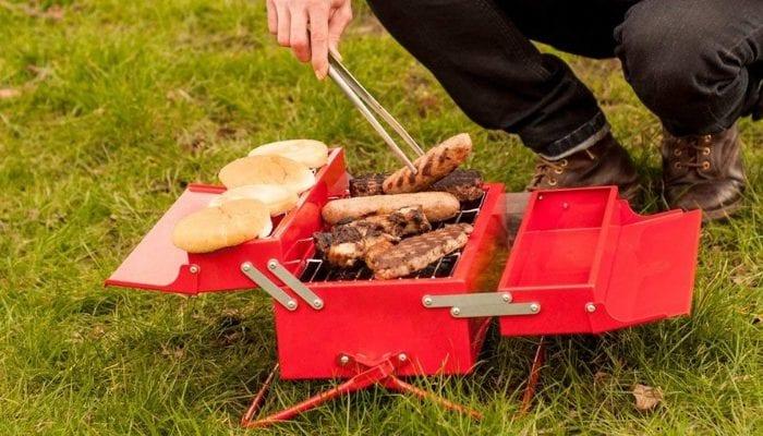 cassetta degli attrezzi barbecue