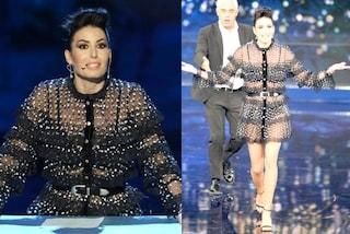 Elisabetta Gregoraci in slip e reggiseno a Made in Sud, la showgirl mostra l'intimo sul palco