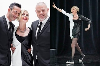 Nadia Toffa rock in bianco e nero: a Le Iene con le sneakers e le calze a rete