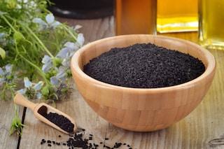 Cumino nero: proprietà benefiche e usi dei semi di Nigella Sativa