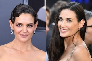 Da Katie Holmes a Demi Moore, tutte con i capelli bianchi: le star che mostrano la ricrescita