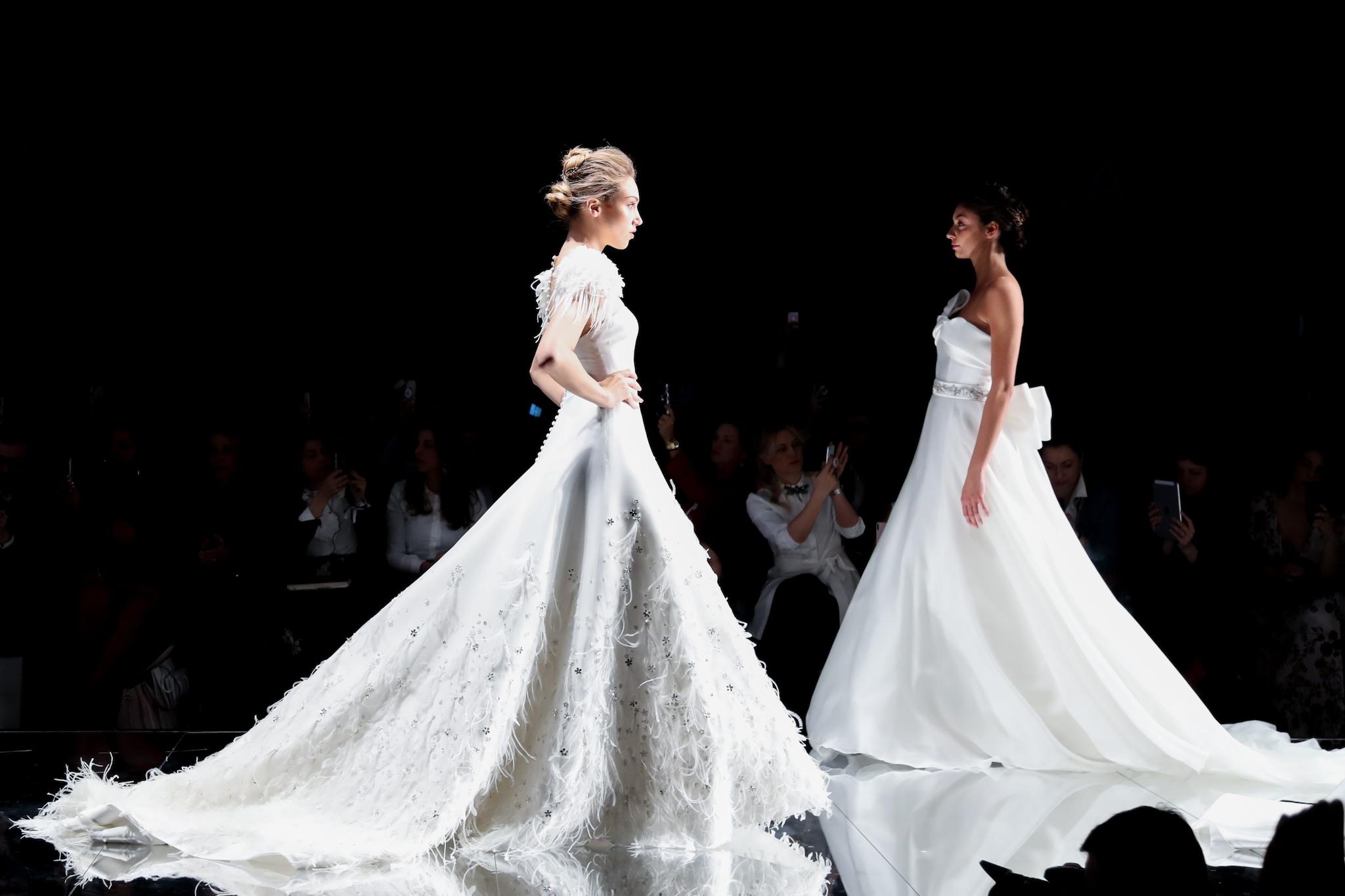 0c955bb626f0 Ha poi continuato parlando del mondo a cui si è ispirato per dare vita a dei  vestiti bianchi tanto eleganti e raffinati