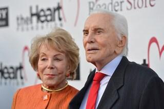 Kirk Douglas e Anne Buydens, la dolce storia d'amore della coppia più longeva di Hollywood